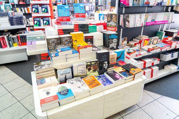 Livres dans une librairie